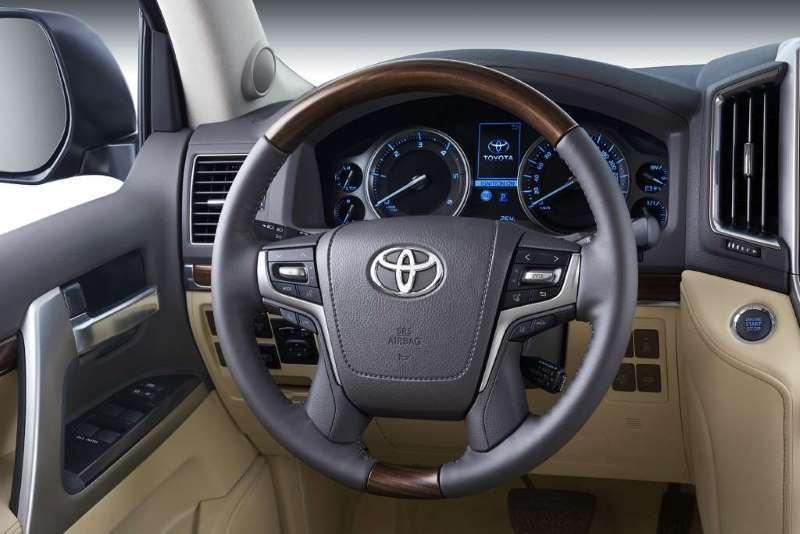 2016 Toyota Land Cruiser 200
