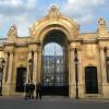 Театральный режиссер таранил ворота Елисейского дворца в Париже – в знак протеста