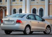 Volkswagen увеличивает количество базовых опций в комплектациях Polo седан