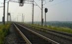 В Москве на железнодорожные пути с высоты упал грузовик