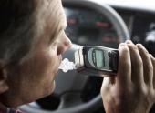 Депутаты от ЛДПР постараются уговорить президента вернуть водителям право на незначительную долю алкоголя в крови