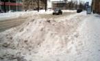 Смольный просит петербуржцев сидеть дома и не мешать уборке улиц от снега
