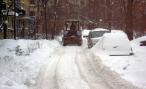 Отказ от обработки дорог в Петербурге гранитной крошкой объяснили заботой об автовладельцах