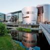 Стеклянная мануфактура Volkswagen в Дрездене отмечает десятилетие