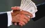 В Ленобласти женщину оштрафовали на 150 тысяч рублей за попытку дать взятку инспектору ДПС