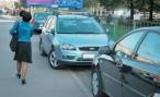 Челябинские власти объявили войну водителям, паркующимся на газонах