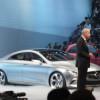 Mercedes вышел в США на первое место в премиум-сегменте по итогам апреля