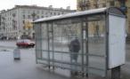 «ГАЗель» сбила женщину с детьми на остановке в Екатеринбурге