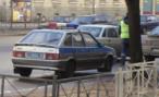 Пьяный водитель набросился с ножом на инспекторов ДПС в Москве