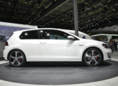 На Парижском автосалоне показали предсерийный Volkswagen Golf GTI