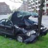 На севере Москвы «Мерседес» врезался в столб; водитель погиб