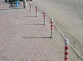 Мосгордума подтвердила полномочия муниципалитетов устанавливать шлагбаумы и столбики во дворах