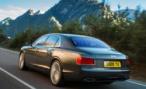 В Ленобласти предполагаемый виновник аварии бросил на месте ДТП свой Bentley
