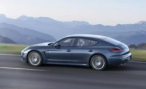 Porsche Panamera скрылся, сбив насмерть пожилого человека в Новой Москве