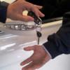 В феврале продажи легковых автомобилей упали в России на 38%