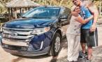 Киноактер Дуэйн Джонсон подарил экономке внедорожник Ford Edge