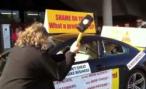 Итальянец разбил кувалдой BMW M6 в Женеве – второй раз за полгода