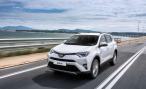 У Toyota RAV4 в России обновился список комплектаций