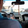 Что грозит водителю за разговор по телефону во время движения?