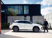 Кроссовер Lexus RX обновился
