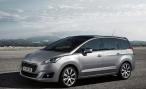 Обновленный Peugeot 5008: Раньше улыбался, теперь скалится