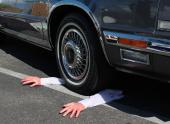 На шоссе автомобиль сбил человека насмерть. Посадят или нет?