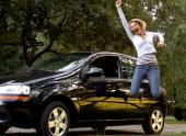 Рыночная стоимость автомобиля — миллион, владелец продает за 800 тысяч, а в ДКП просит указать 250. Где может быть засада?