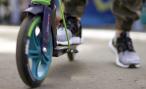 Минтранс предложил запретить ездить по тротуарам большим и тяжелым электросамокатам