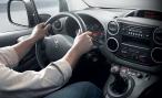 Концерн PSA Peugeot Citroen хочет продавать в России авто в кредит через мобильное приложение