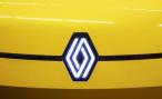 Renault поддался моде и сменил логотип