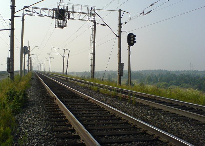 ...что движение автотранспорта через железнодорожный переезд в Нововятском районе города Кирова (это юг города) в...