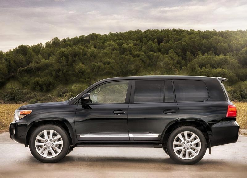 2013 Toyota Land Cruiser 200