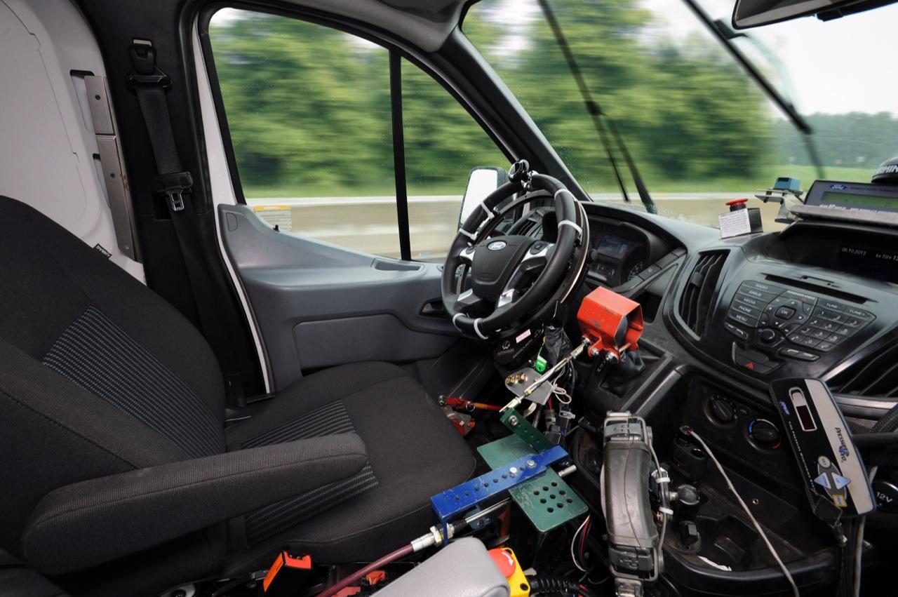 Автопилот, робот-водитель