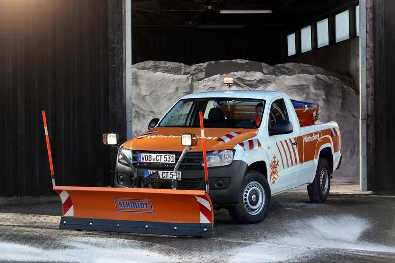 Volkswagen Amarok SingleCab. Снегоуборщик с оборудованием Aebi Schmidt Deutschland