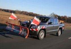 Volkswagen Amarok DoubleCab. Снегоуборщик с оборудованием Schoon Fahrzeugsysteme GmbH