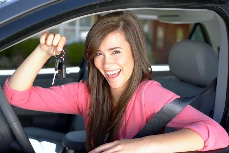 Водитель, женщина за рулем
