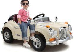 Детский игрушечный автомобиль