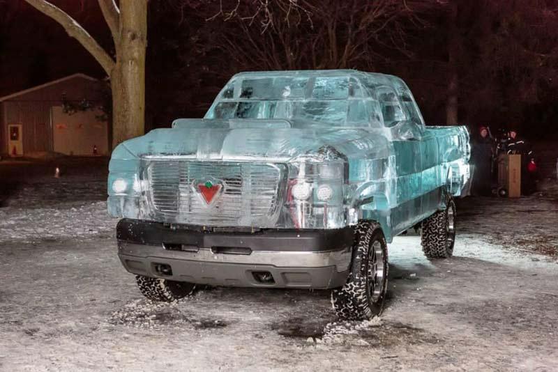 Автомобиль изо льда