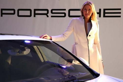 Мария Шарапова, Porsche Panamera GTS