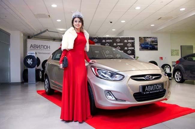 «Мисс Россия 2013» Эльмира Абдразакова, Hyundai Solaris