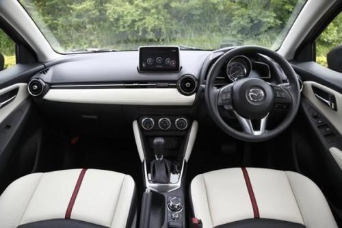 2015 Mazda Demio (Mazda2)