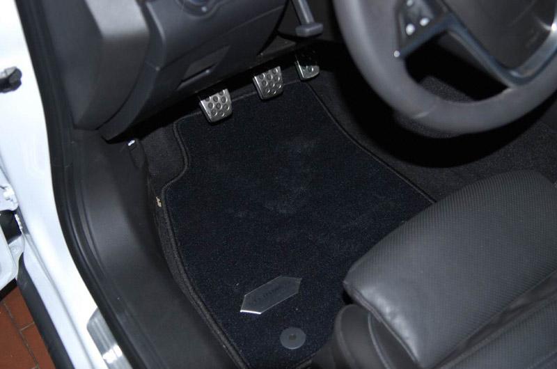 Opel Insignia, блок педалей