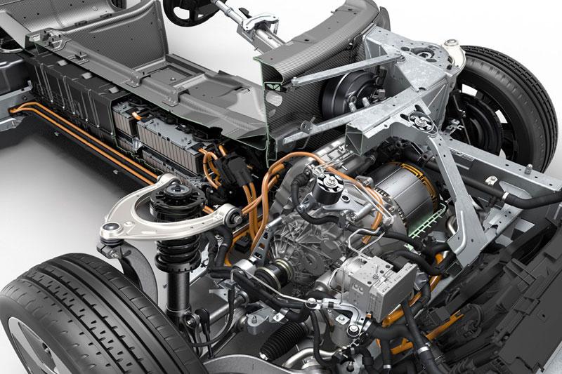 Гибридный силовой агрегат BMW i8