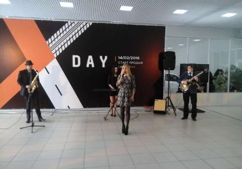 XDay - старт продаж Lada Xray в России
