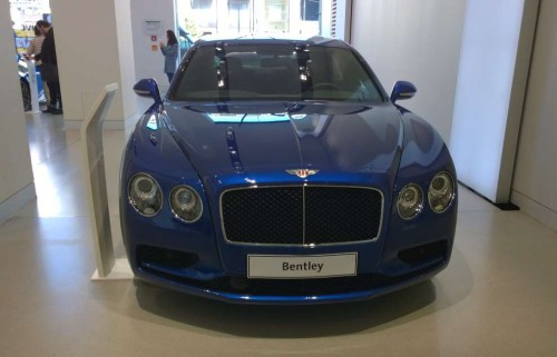 Bentley Flying Spur 2016, Volkswagen forum DRIVE, Берлин