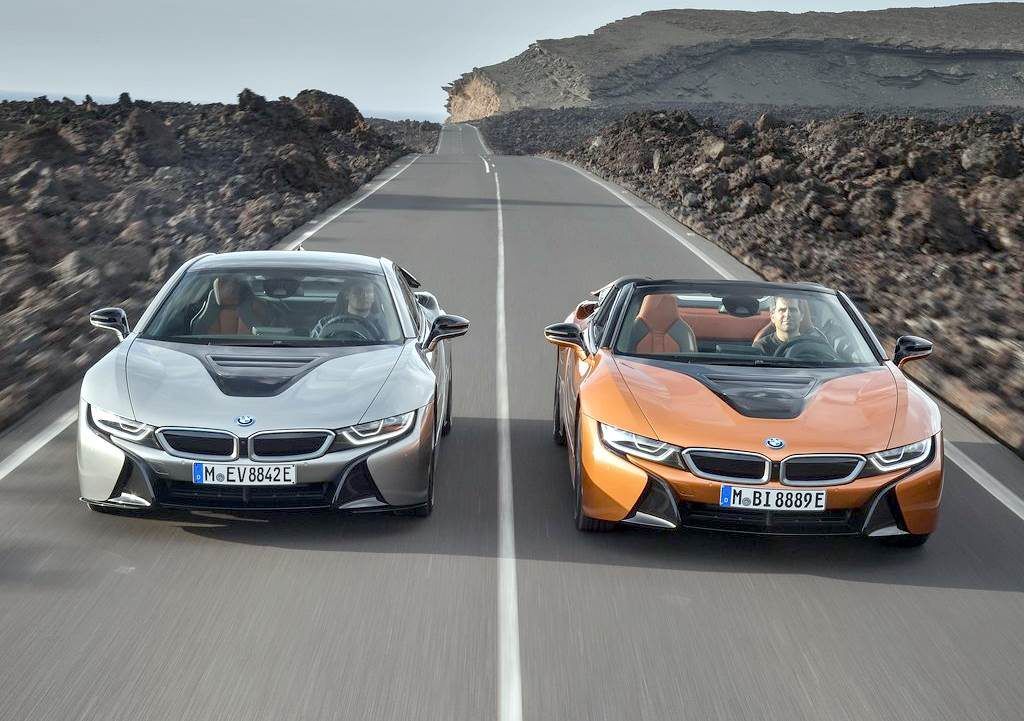 Купе BMW i8 Coupe и родстер BMW i8 Roadster