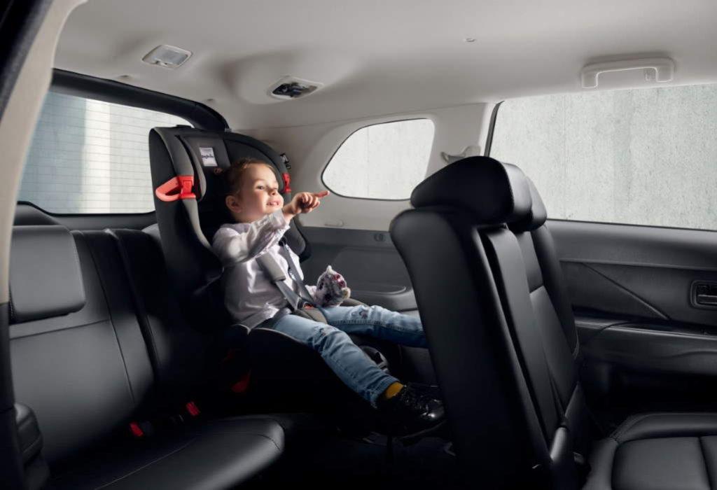2020 Mitsubishi Outlander (7 мест)