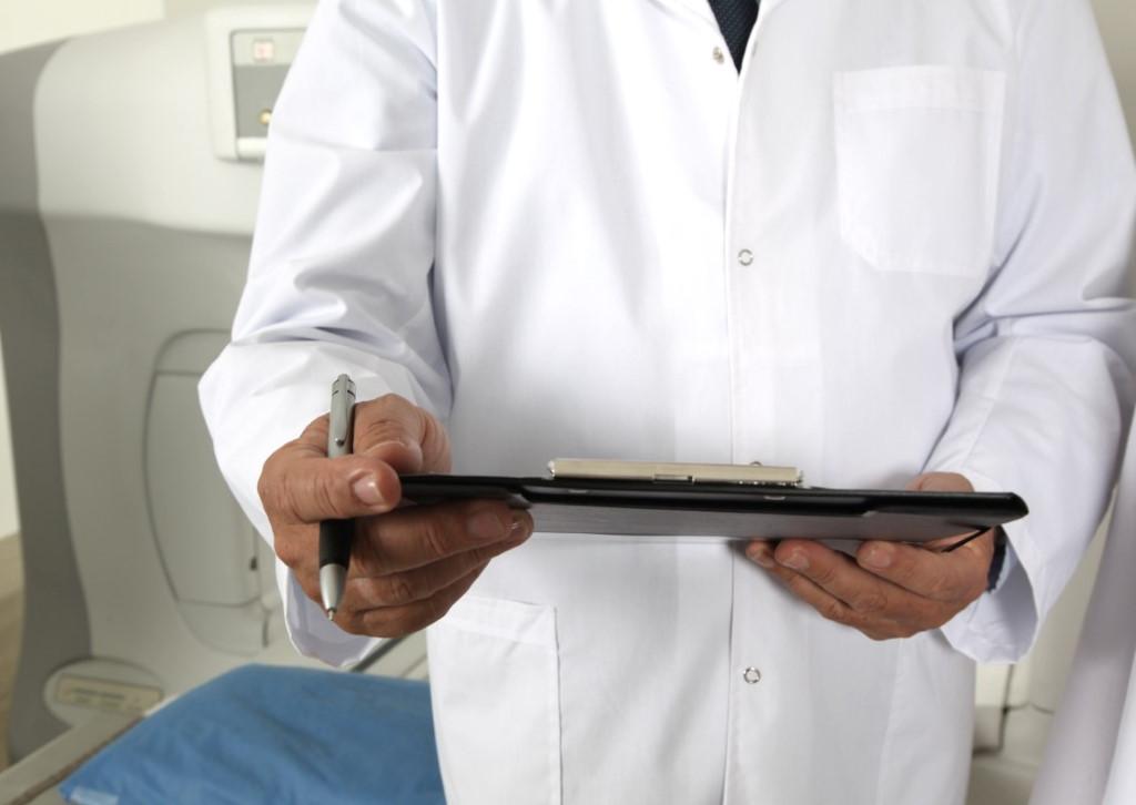 Доктор (врач)