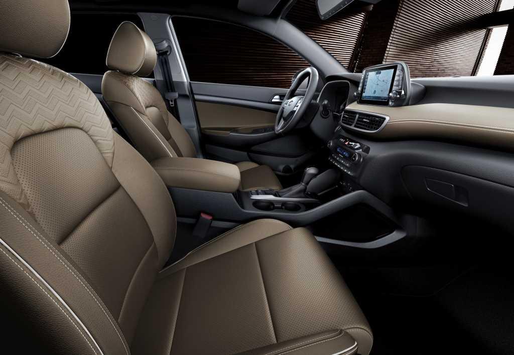 Hyundai Tucson Black&Brown