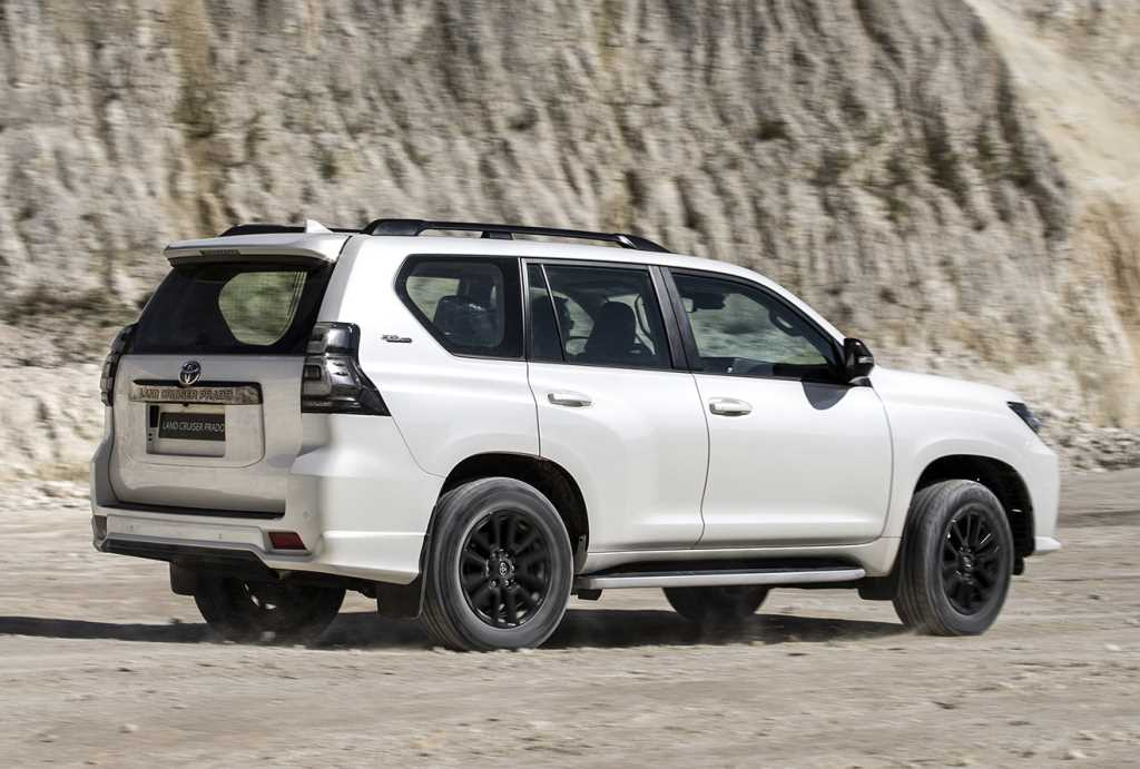 2021 Toyota Land Cruiser Black Onyx